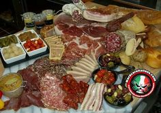 Spread of various cured meats Italian Dishes, Italian Recipes, Italian Memes, Pizza E Pasta, Antipasto Platter, Party Platters, Meat And Cheese, Recipe Images, Yummy Appetizers