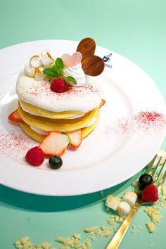 大阪ブラザーズカフェから期間限定スイーツ「焼きマシュマロとホワイトチョコのパンケーキ」登場