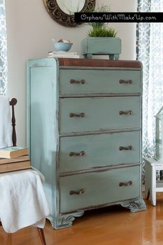 <Waterfall Dresser - Duck Egg Blue Chalk Paint®> --I haven't seen the waterfall era/style furniture chalk painted before. Black Painted Furniture, Chalk Paint Furniture, My Furniture, Refurbished Furniture, Repurposed Furniture, Furniture Projects, Furniture Makeover, Dresser Makeovers, Upscale Furniture