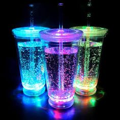 No-Spill Light Up LED-Leuchtbecher mit Deckel - Diy. Sommer Pool Party, Kreative Desserts, Neon Birthday, Birthday Nails, Birthday Wishes, Birthday Parties, Cute Water Bottles, Light Up Water Bottle, Cute Cups