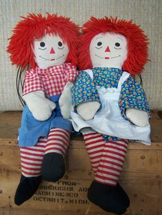 Vintage Raggedy Ann and Andy dolls.