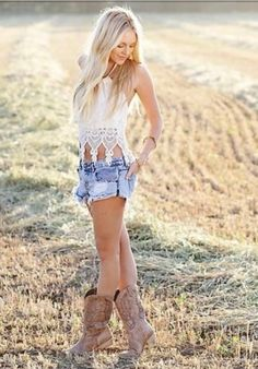 pbr outfit for women summer pbr outfit for women ; pbr outfit for women winter ; pbr outfit for women plus size ; pbr outfit for women summer Mode Country, Country Girl Style, Country Fashion, Country Girls, Country Style Clothes, Country Women, Country Life, Country Girl Hair, Country Girl Poses