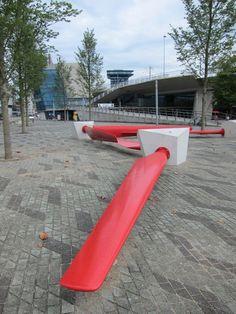 SuperuseStudios_Rewind, un banc fait à partir d'hélices d'éolienne