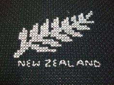 New zealand fern leaf cross stitch Knitting Charts, Knitting Patterns, Crochet Patterns, Cross Stitch Designs, Cross Stitch Patterns, Maori Patterns, Palestinian Embroidery, Tapestry Crochet, Weaving Patterns