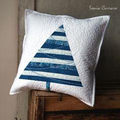 Modré vánoce var.1 Carrara, Throw Pillows, Bed, Christmas, Scrappy Quilts, Xmas, Toss Pillows, Cushions, Stream Bed
