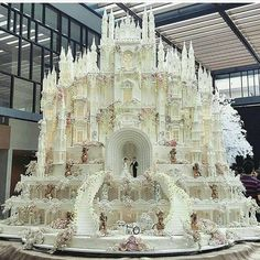 The 12 Most OTT Wedding Cakes We've Ever Seen—Delish.com