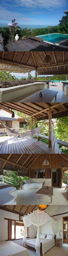 Casa à venda em lugar paradisíaco com vista total do mar em Trancoso, Bahia, Brasil. House for sale with an amazing sea view in Trancoso, Bahia, Brazil.
