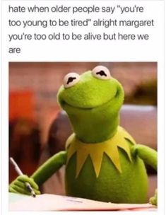 It's easy to laugh about being a Millennial with these super-relatable funny memes and quotes about what it's like to be part of Generation Y. If you were born between 1981 and see if you can relate to these funny millennial memes. Funny Shit, 9gag Funny, Funny Cute, Funny Posts, The Funny, Hilarious Memes, Funny Stuff, Funniest Memes, Funny Things