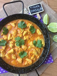 POLLO TIKKA MASALA Easy Chicken Tikka Masala, Pollo Tikka Masala, Paneer Tikka, Slow Cooker Sweet Potatoes, Slow Cooker Chicken, Clean Eating Chicken, How To Cook Chicken, Tandoori Paste Recipe, Spinach Curry