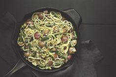 Spaghetti and Basil Pesto
