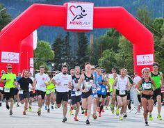 Teilnehmer vom Herzlauf Steiermark haben ein Herz für herzkranke Kinder Juni, Basketball Court, Sports, Heart, Life, Children, Hs Sports, Sport, Exercise