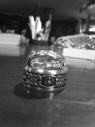 marine wedding band for the guy… I absolutely loooove this