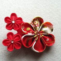 #kanzashi pin/clip - boutonneres?