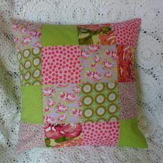 Housse de coussin en patchwork, vert anis  et rose