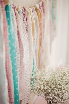 fabric backdrop - this would be fun to have over my bed/desk/window in my dorm. :)