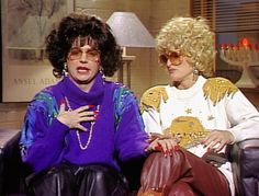 Saturday Night Live: Mike Myers as Linda Richman in Coffee Talk & Barbra Streisand does a walk-on! (Thats' Madonna in the curly blonde wig. Make Em Laugh, I Love To Laugh, Best Of Snl, Snl Characters, English Comedians, Snl Skits, Coffee Talk, Saturday Night Live, Celebs