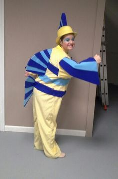 Flounder Little Mermaid Ovations Dance Repertory Company Holiday Costumes, Easy Costumes, Family Costumes, Halloween Costumes, Halloween Ideas, Costume Ideas, Halloween 2017, Little Mermaid Play, Little Mermaid Costumes