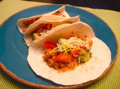 Crock Pot Chicken Tacos for 2 One Pot Meals, No Cook Meals, Slow Cooker Recipes, Crockpot Recipes, Healthy Meals For Two, Healthy Recipes, Tortilla Shells, Dinner For 2, Chicken Tacos