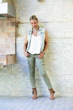 Doy la bienvenida al verano con un look perfecto para el calor y un día todoterreno #streetstyle #bloggerspain #moda