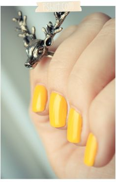 Peggy Sage - Ultra Lemon...whoda thunk yellow nails could be so groovy?