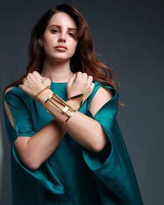Lana del rey photoshoot green dress gold jewelry // New outtake! Lana Del Rey for Nylon Español Magazine #LDR por Esteban Calderon