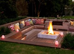 Cool DIY & Backyard Fire Pit Ideas with Comfy Seating Area Design Backyard Seating, Backyard Patio Designs, Fire Pit Backyard, Garden Seating, Fire Pit Seating, Backyard Landscaping, Seating Areas, Landscaping Ideas, Garden Fire Pit