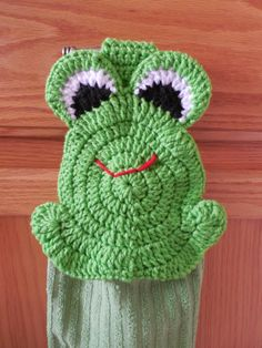 Frog  Crochet hanging towel  Green  by ShelleysCrochetOle on Etsy, $10.00