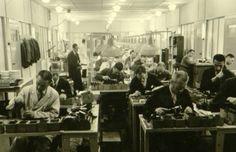 Vanaf december 1941 probeerde Philips zijn joodse werknemers te beschermen door ze in een Speciaal Opdrachten Bureau (SOBU) aan het werk te zetten. Pas in augustus 1943 moesten ze toch naar Kamp Vught (foto: philips-kommando.nl)