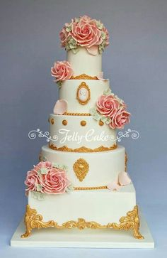 "Vintage cake, love the ""feet"" on this cake"
