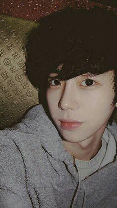 ➳ two pics Korean Boys Ulzzang, Cute Korean Boys, Asian Cute, Ulzzang Couple, Korean Men, Asian Boys, Ulzzang Girl, Ullzang Boys, I Hate Boys