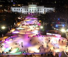 Vienna Ice Dream a sq ft skating rink in front of Rathaus Places To Travel, Places To See, Vienna Christmas, Hotels, Christmas Travel, Thing 1, Vienna Austria, Best Cities, Vacation Spots