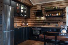 Roger's Hytteside - Den ferdige hytta New Kitchen, Man Cave, New Homes, Kitchen Cabinets, Cottage, House Design, Architecture, Interior, Table