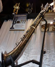 Dakota straight Tenor Sax - a crazy looking and sounding saxophone! Soprano Saxophone, Tenor Sax, Saxophone Music, Best Guitar Players, Music Machine, Learn To Play Guitar, Guitar Tips, Kinds Of Music, Saxophones