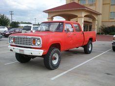 1978 W200 Crew Cab Dodge Pickup Trucks, Nissan Trucks, Ram Trucks, Cool Trucks, Lifted Trucks, Dakota Truck, Dodge 1500, Dodge Power Wagon, Mini Trucks
