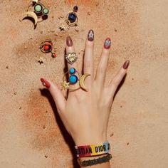 最旬モードなネイルアート-Nailで旅する世界旅行 Gorgeous Nails, Love Nails, Mani Pedi, Manicure, Dior Nails, Nail Jewelry, Jewellery, Vogue Japan, Beauty Nails