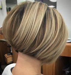 Short Stacked Bronde Bob