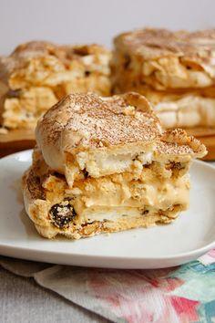 Dakłas / Dacquoise (7 składników) - Wilkuchnia Sweet Recipes, Cake Recipes, Dessert Recipes, Desserts, Dacquoise, Good Food, Yummy Food, Polish Recipes, Pavlova