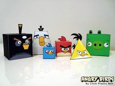 Si están tan de moda, que mejor que aplicarlos en el aula...  -Angry bird cubes and triangular prisms for geometry!