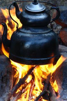 Memlekette çay keyfi (teapot) By Bora Mert