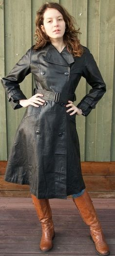 Long Leather Coat, Leather Trench Coat, Trench Coats, Langer Mantel, Leather Jacket Outfits, Retro Fashion, Breast, Shirt Dress, Jackets