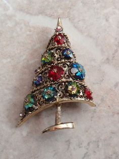 Weiss Christmas Tree Brooch Margarita Rhinestones by cutterstone