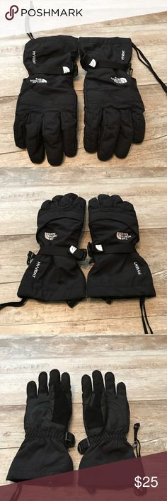 North Face women's small Hyvent gloves North Face women's small black gloves  Zipper vent  Adjustable The North Face Accessories Gloves & Mittens