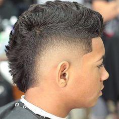 Jncuts_and+Faux+Hawk moicano masculino, cabelo masculino, moicano curto, cabelo curto Mens Hairstyles 2016, Cool Hairstyles For Men, Hairstyles Haircuts, Haircuts For Men, Rocker Haircuts, Fohawk Haircut, Fade Haircut, Haircut Style, Baseball Haircuts