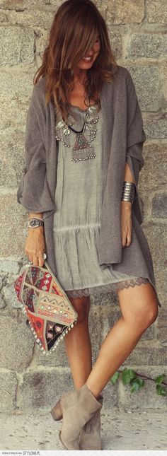Fashion ) nice sweater and jewelry.) #etnic_style_clothes