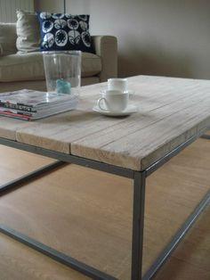 PURE salontafel van steigerhout met stalen onderstel