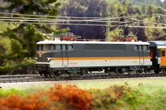 Imagen de http://www.marklinfan.net/loco11/SNCF-BB9200-3165-05.jpg.