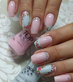 Pretty Nail Art, Cute Nail Art, Beautiful Nail Art, Cute Nails, Flower Nail Designs, Diy Nail Designs, Classic Nails, Floral Nail Art, Bright Nails