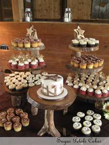 Sugar Petals Cakes: Country Theme Wedding Cupcakes...i love this set up