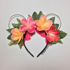 ✨ready to ship ✨ ❤️pink/orange plumerias with GOLD wired ears ❤️reversible! Flowers on both side! ❤️Flowers look and feel real ❤️Each headband will...