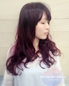 彰化INN SALON - Edison  溫塑電棒燙-手撥成型。 Color:髮根新生髮為霧面咖啡紫及利用之前褪色的髮尾重新上色作出漸層效果